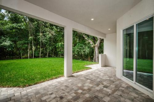 326 6th Ave N Safety Harbor FL-large-067-59-Rear Patio 12-1500x994-72dpi